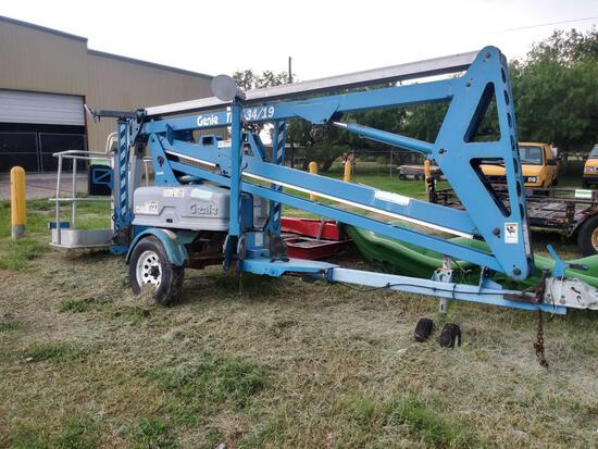 2001 Genie Tow behind Boom Lift Model#TMZ-3419...(no key)Battery Operated ???????500 lbs capacity