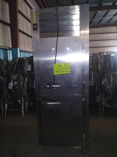 1 Trautsen Reach in Freezer, Model# RLT132WUT-HHS