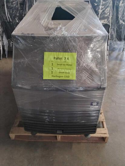 1 Small Manitowoc Ice Maker, Model# QY0134A
