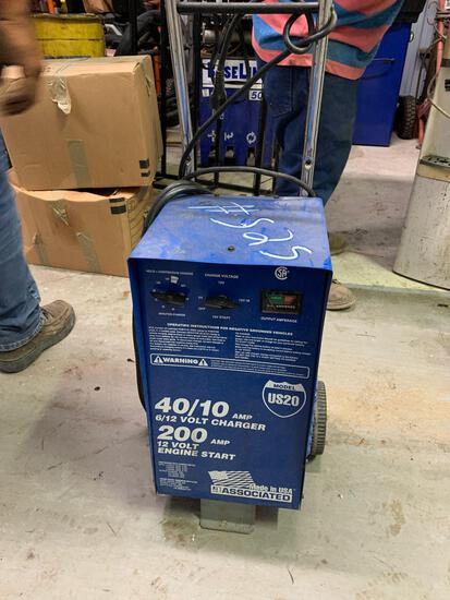 US-20 Battery Charger (Room 405)
