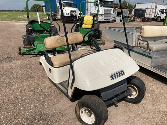 EZGO Golf cart, (MISSING PARTS< NOT COMPLETE)