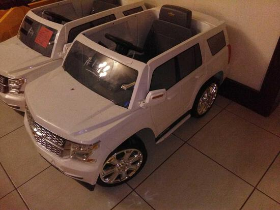 Children Electric Car White (Chevy Tahoe)