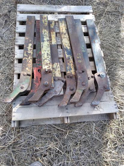 Pallet w/ 3In Shanks