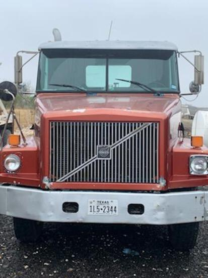 1996 Volvo WG Truck, VIN # 4V4JDBGF9TN846802