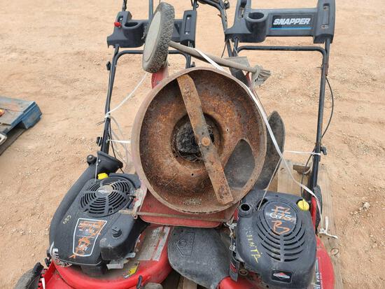 (3) Push Lawnmowers Total (1) Broken Mower
