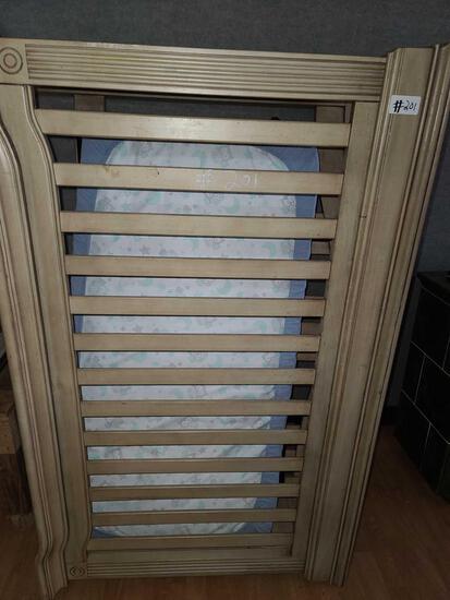 Wooden Crib w/ Mattress...