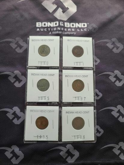 Lot w/Indian Head Cents & Foreign Cents