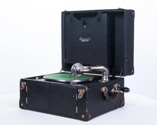 Brunswick Model 101 Suitcase Disc Phonograph