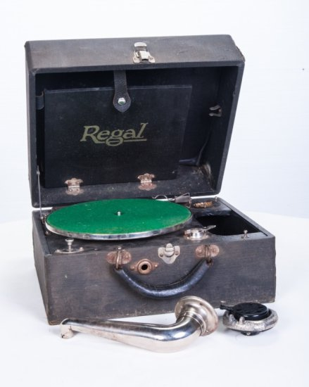 Regal Suitcase Disc Phonograph