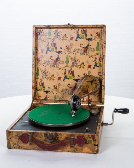 Kiddiepact Portable Phonograph