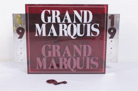 Grand Marquis Cigar Tavern/Lounge Table Display