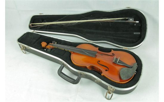 Modern Violin in Hard Shell Case w/Bow