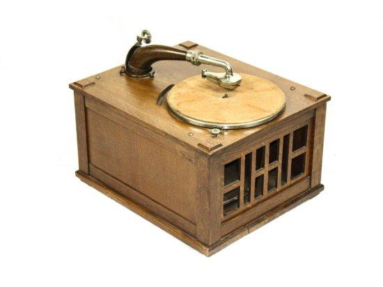 Edison Type B-60 Diamond Disc Phonograph
