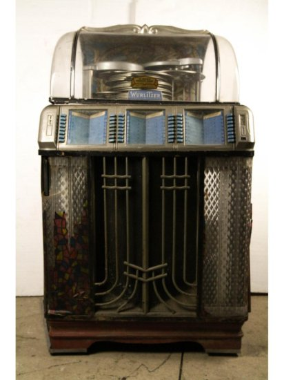 Wurlitzer Jukebox Model 1400 -    Auctions Online | Proxibid