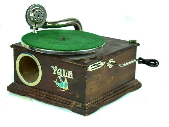 Yale Tabletop Disc Phonograph