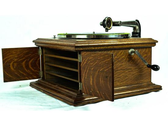 Victor Victrola VI Table Top Phonograph