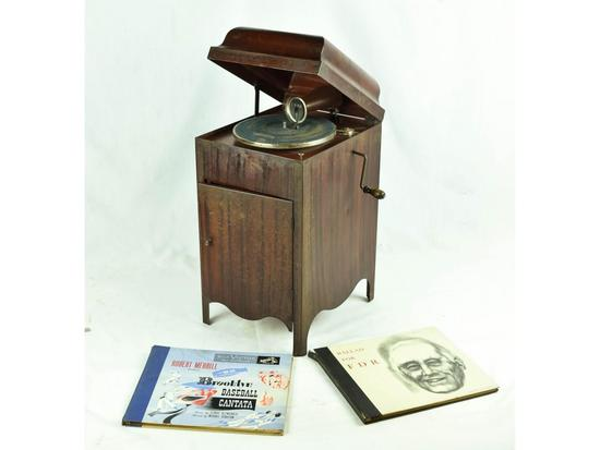 New Carola Toy Victrola Phonograph
