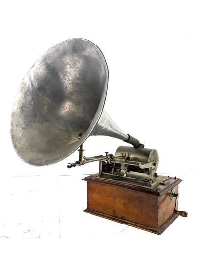 Pathe Cylinder Phonograph Salon