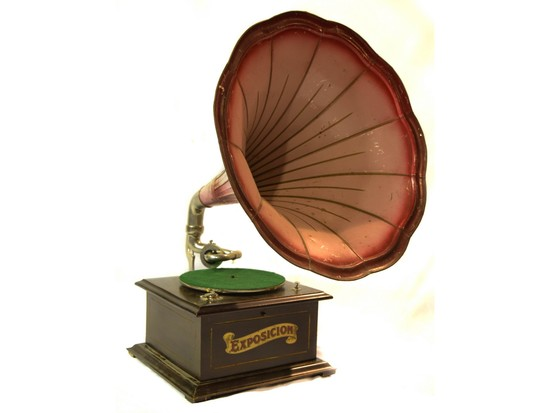 Exposicion Horn-Type Disc Phonograph Victrola