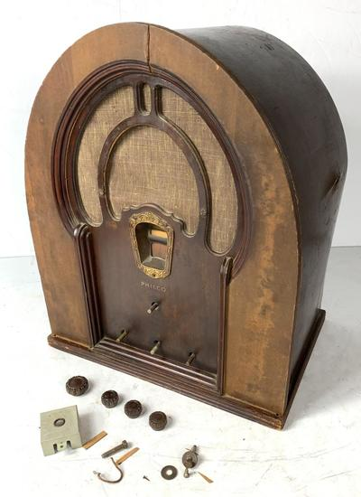 1933 Philco Model 14 Cathedral Radio