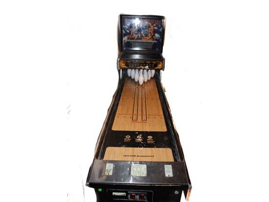 """Williams """"Strike Master"""" Puck Bowling Arcade Game"""