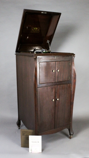 Victor Victrola XI Upright Phonograph