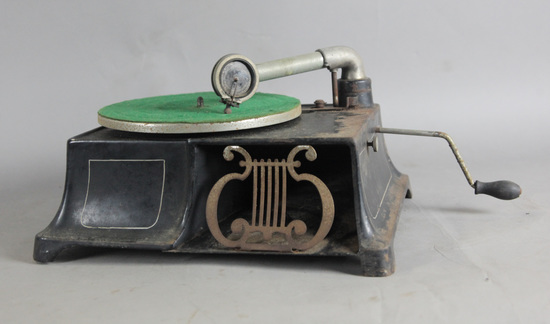 Universal Phonograph