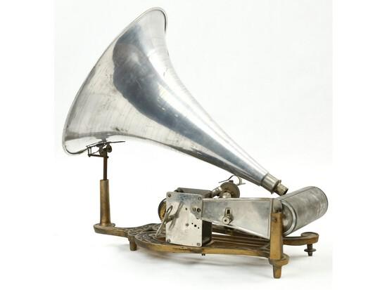 Puck Cylinder Phonograph Cast Iron Lyre Harp Base