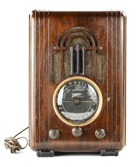 Zenith 5S228 Tombstone Radio