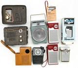 Box Lot Vintage Transistor Radios (7)