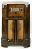 RCA Model 811K Super Heterodyne Console Radio