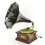 G&T European Horn Phonograph