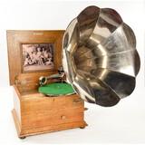 Oak Reginaphone Table Top Music Box Phonograph