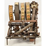 Center Pull Slot Machine Mechanism