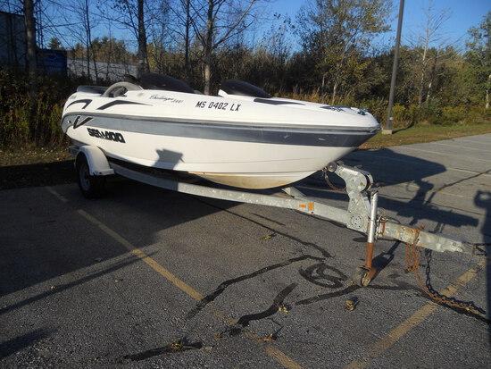 Sea-Doo Challenger 2000 Motorboat