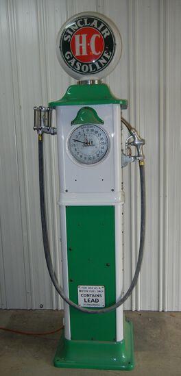 Sinclair H-C Antique Gas Pump