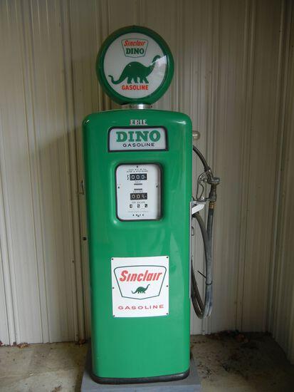 Sinclair Dino Antique Gas Pump