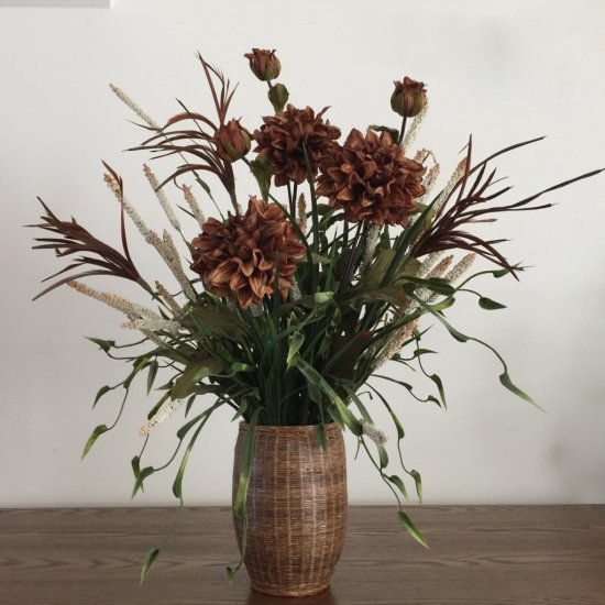 Nice Artificial Flower Arrangement with Vase