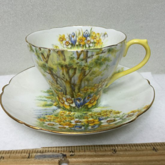 """Vintage Shelley """"DAFFODIL TIME"""" England Fine bone China Cup & Saucer Set -HIGHLY COLLECTIBLE!"""