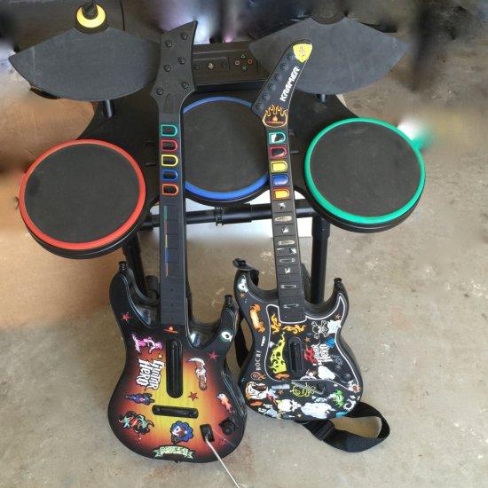 2 Guitar Hero Guitars & Drums