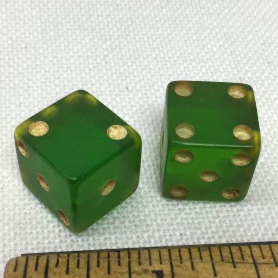 Vintage Old Bakelite Green Dice