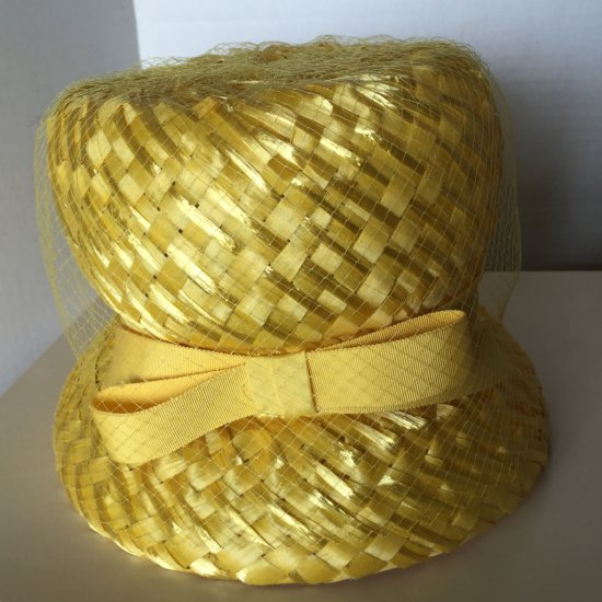 Vintage Pretty Yellow Straw Hat with Bow & Netting
