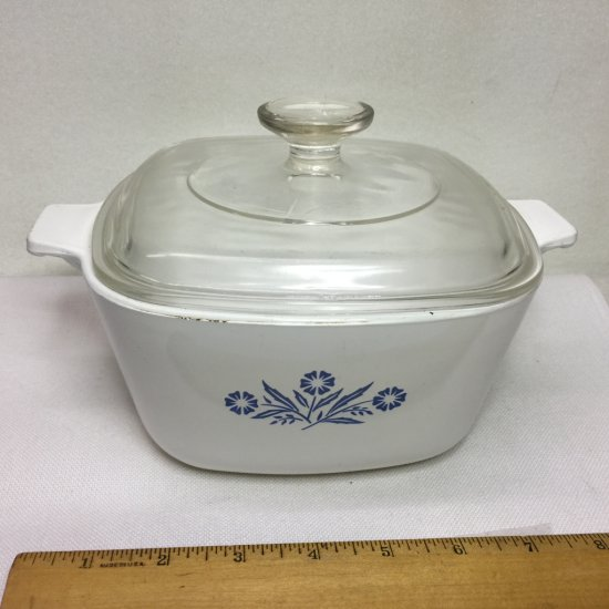 Vintage Corning Ware Cornflower Blue 1-3/4 Qt Casserole Dish with Lid
