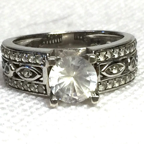 Sterling Silver Ring with Clear Stone & Ornate Band Size 6