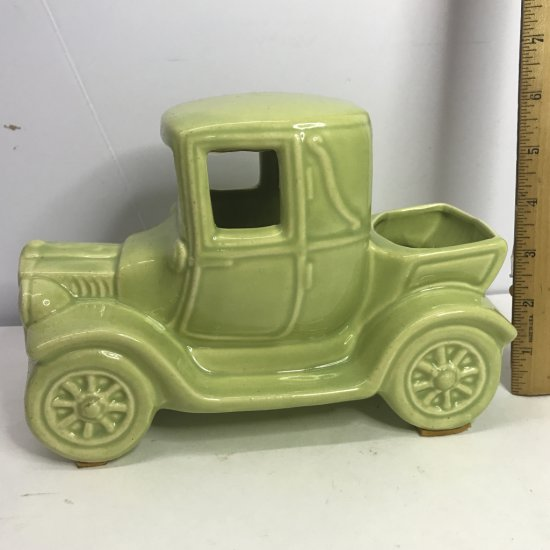 Pottery Old Fashioned Car Planter