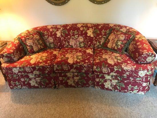 Beautiful Floral Sofa w/Pillows