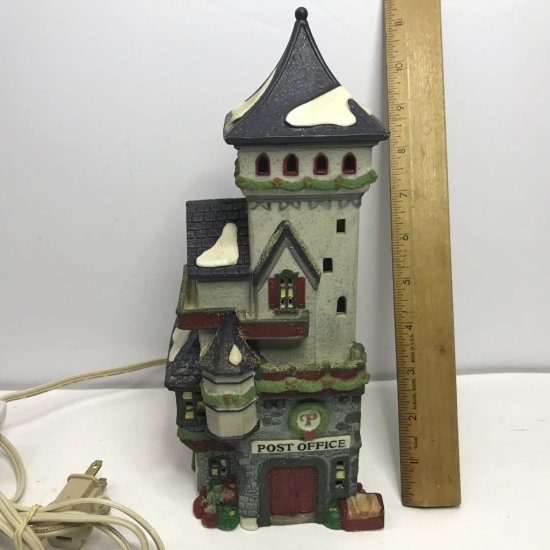 """Department 56 North Pole Series """"Post Office"""" Lighted Village House"""