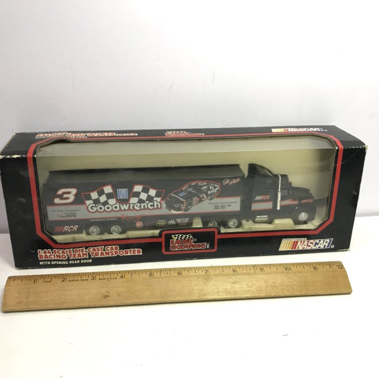 1992 Dale Earnhardt Racing Champions NASCAR 1:64 Scale Die-Cast Cab Racing Team Transporter in Box