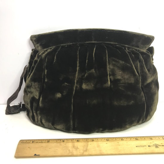 Vintage Ladies Crushed Velvet Green Purse by Handbag Code Authority