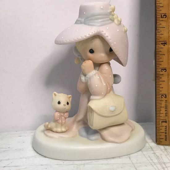 "Precious Moments ""To A Very Special Mom"" Porcelain Figurine with Box"